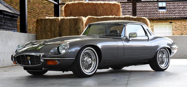 1974 Jaguar E-Type 2+2 – (Versión Europea) - Nótese el tamaño y el aspecto de las 'bomperetas' de la versión europea