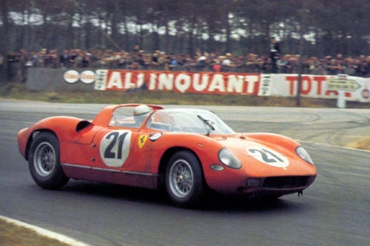 Ferrari 250 P (1963) motor central