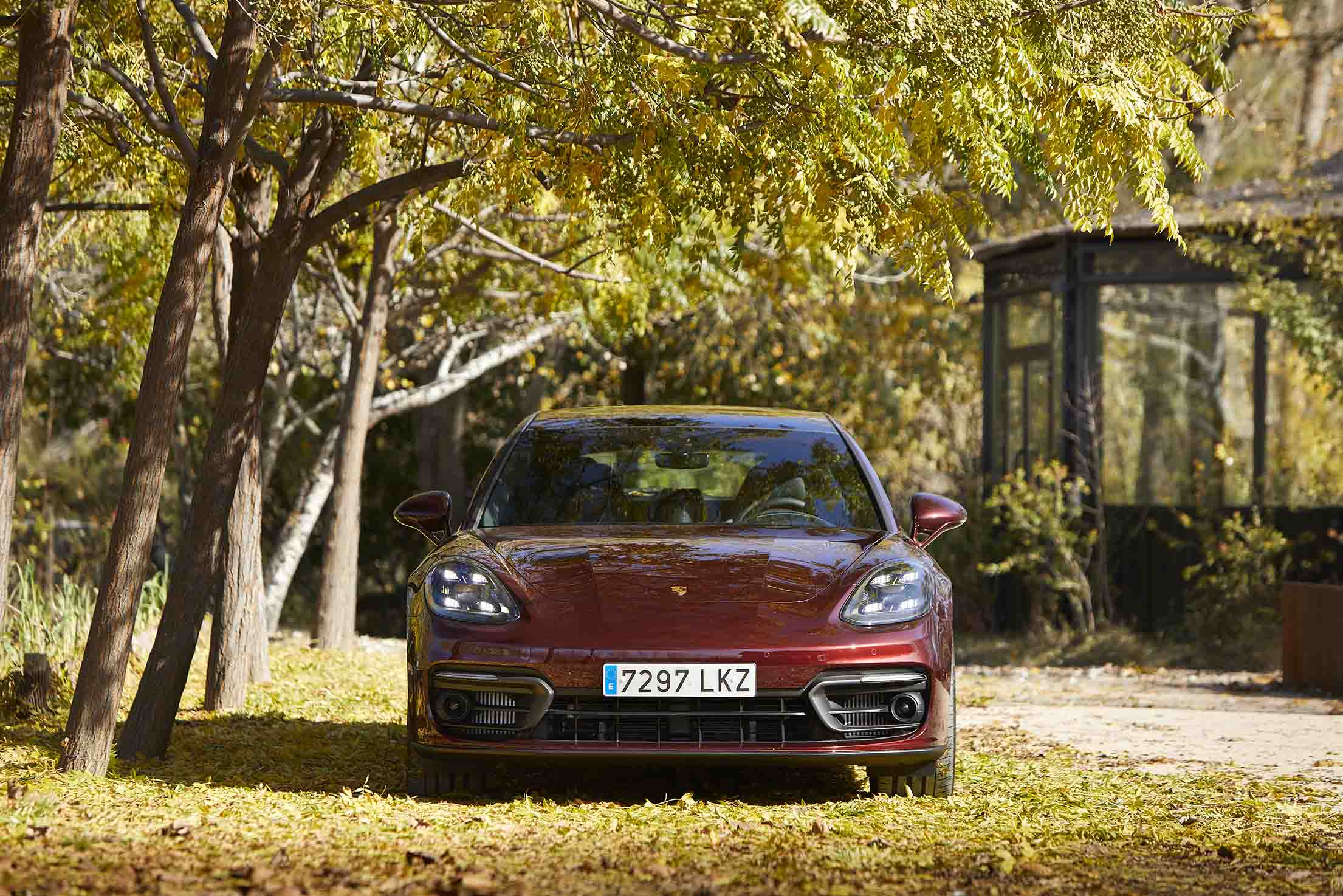 Frontal Porsche Panamera 2021