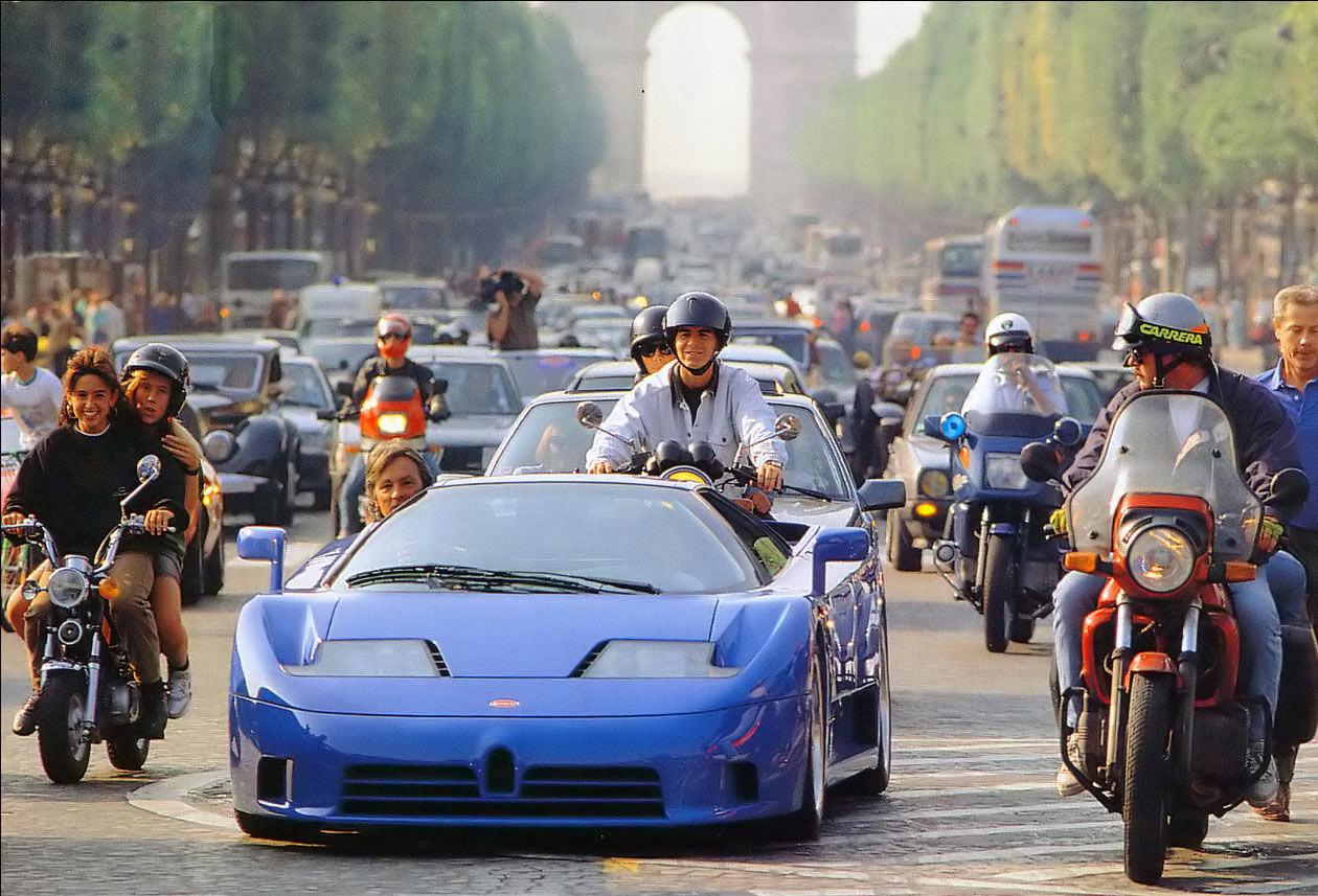 Bugatti EB110. Campos Elíseos. Paris (1991)