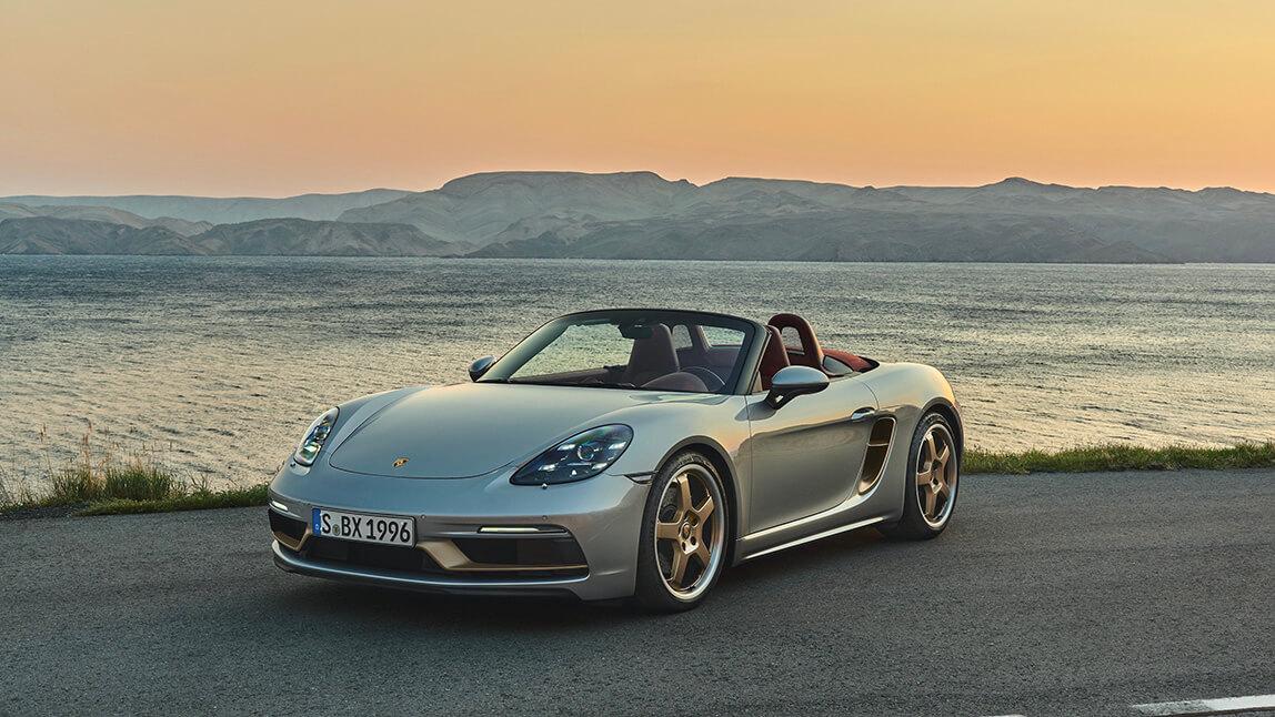 Porsche Boxster 25 Aniversario con mar