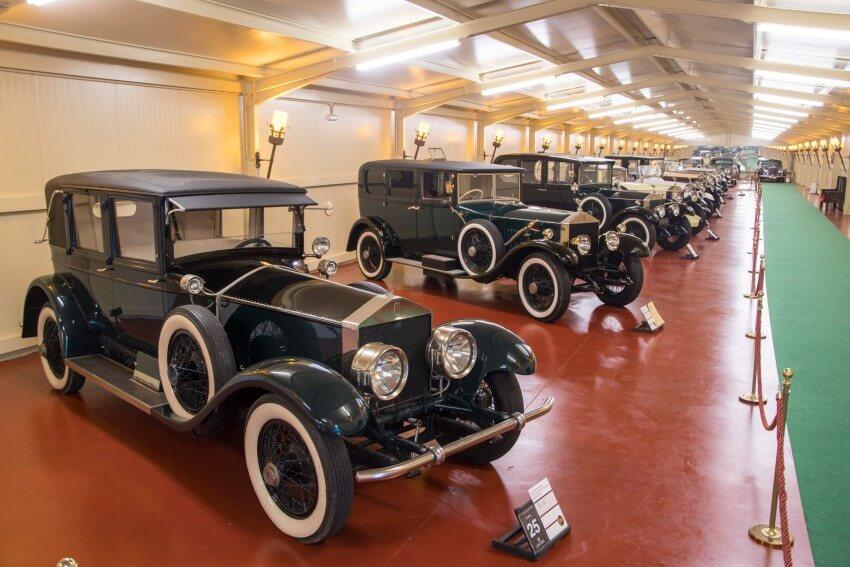 Uno de los pabellones de Torre Loizaga dedicado a Rolls Royce