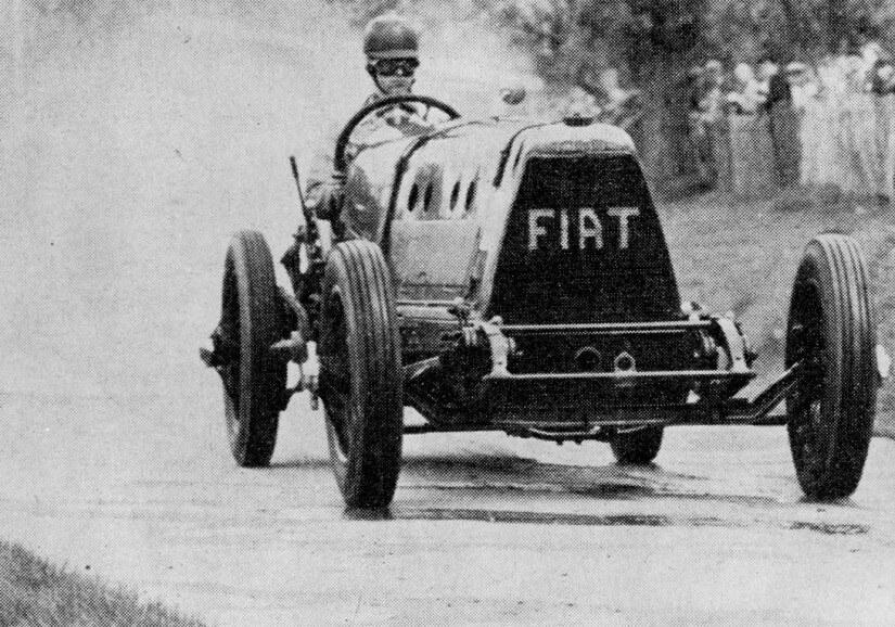 el Fiat Mephistopheles en plena competición