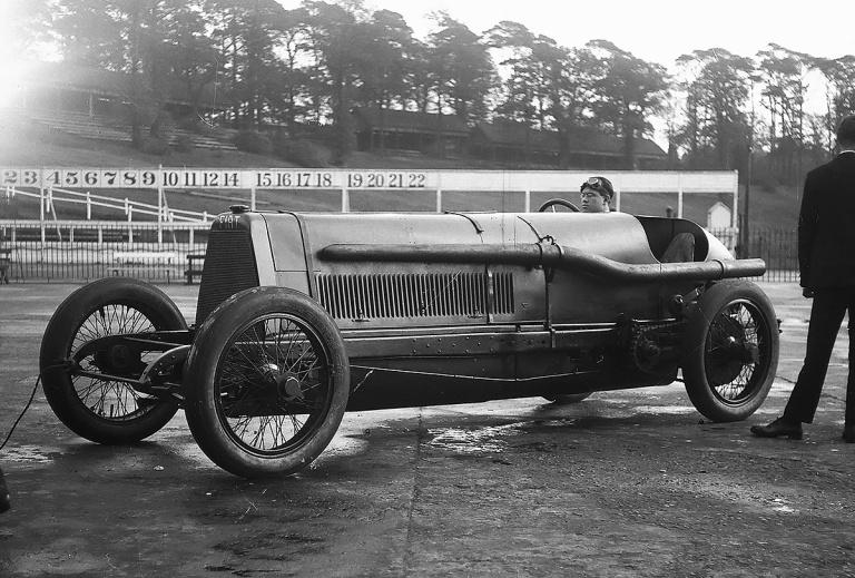 Ernest Eldridge en el FIAT SB4