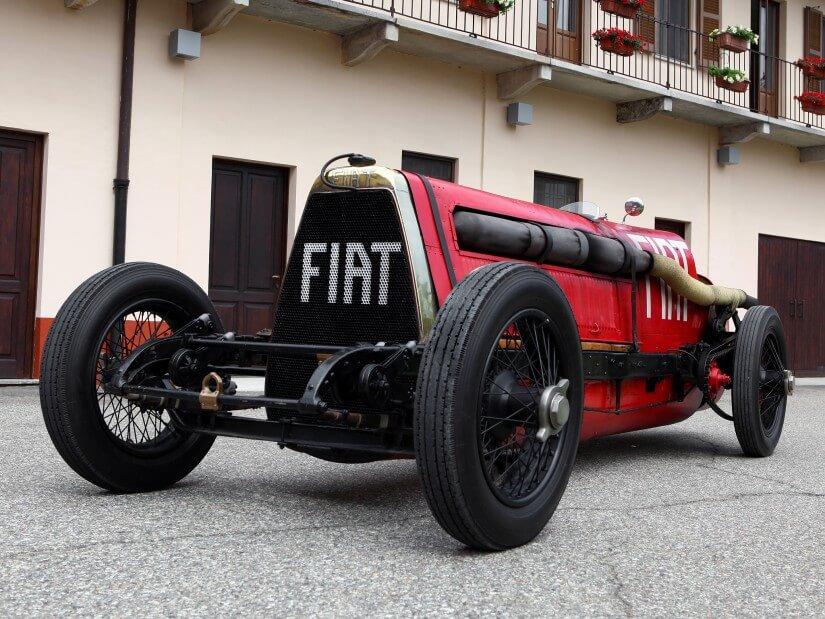 El frontal del Fiat Mephistofeles es imponente