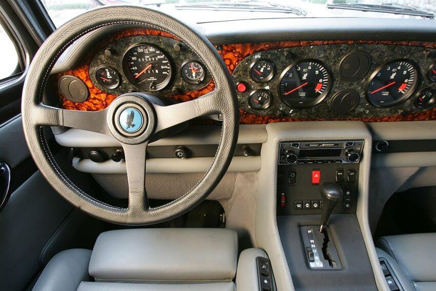 cuadro de mandos del isdera_autobahnkurier_116i