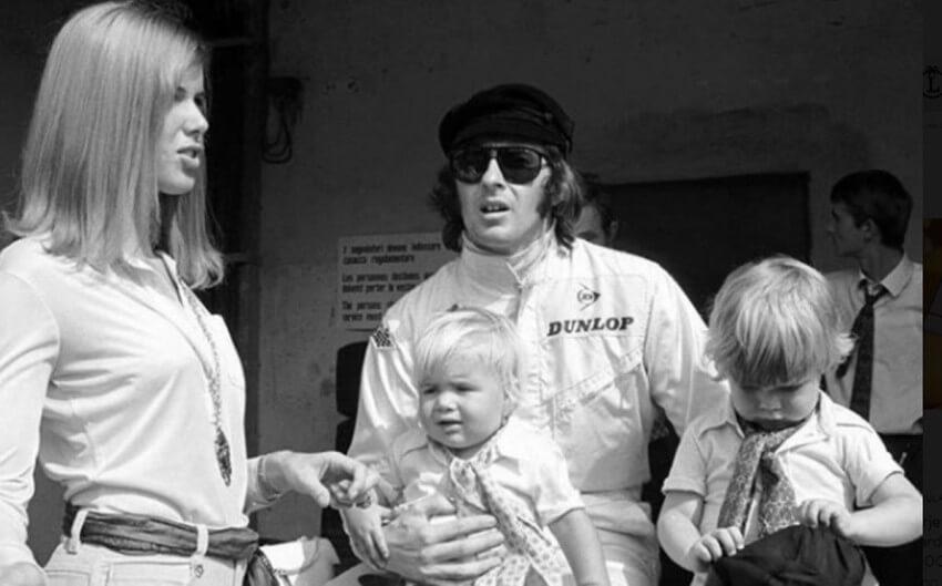 Jackie Stewart siempre iba acompañado de su mujer, Helen, a las carreras