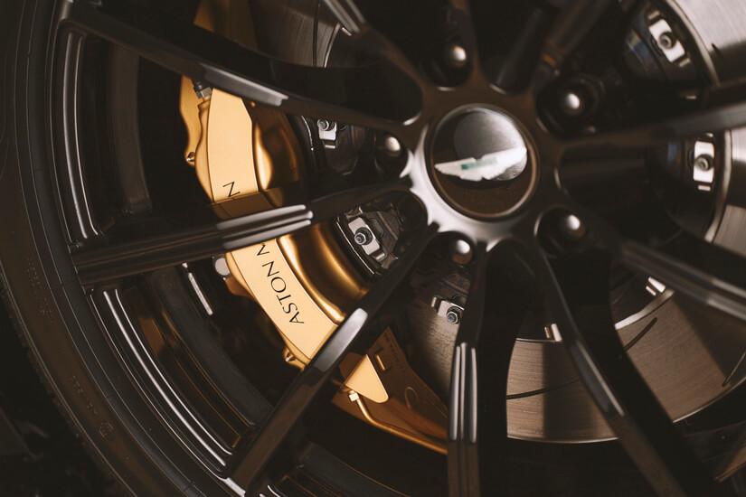 Aston Martin A3 rueda