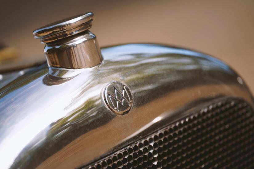 Aston Martin A3 frente