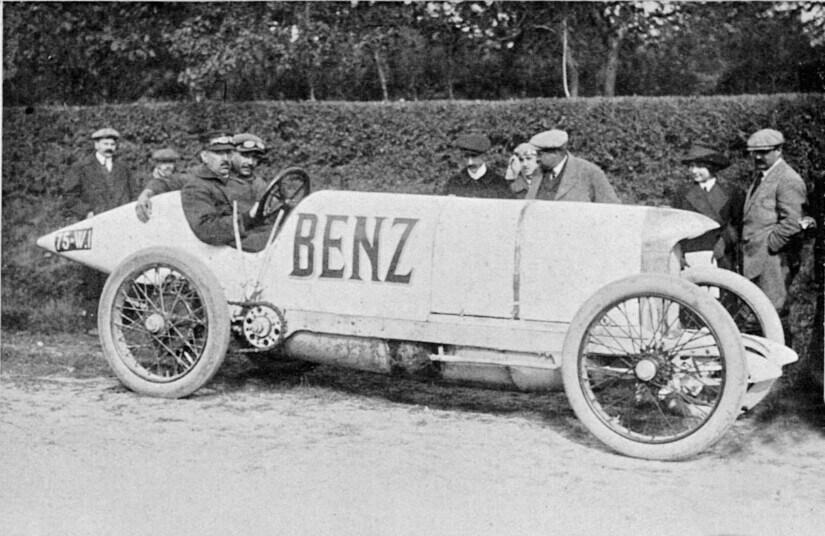 Blitzen-Benz pose