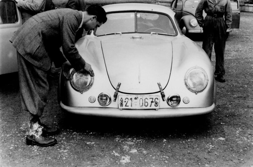 Porsche en Le Mans preparando el coche