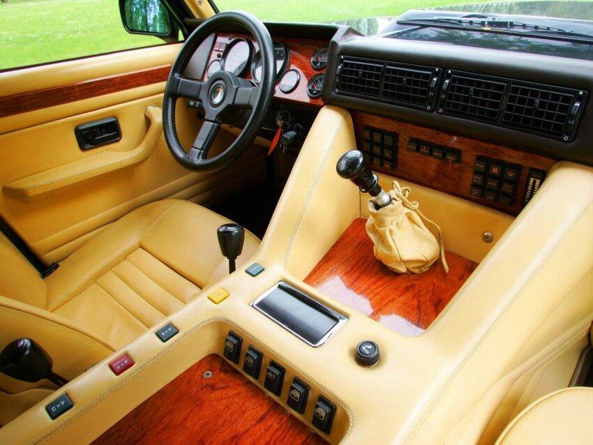 Interior del Lamborghini LM002