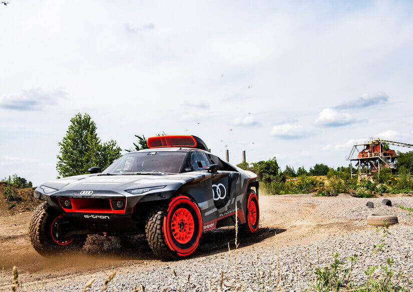 Audi RS Q e-Tron lateral