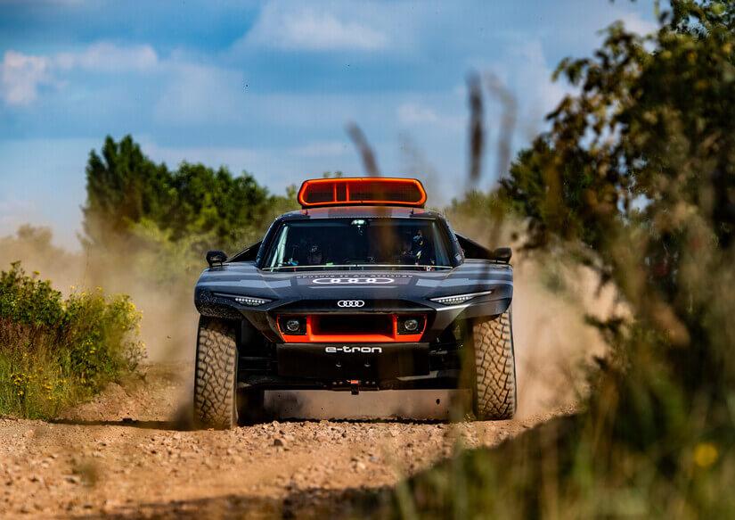 Audi RS Q e-Tron de frente