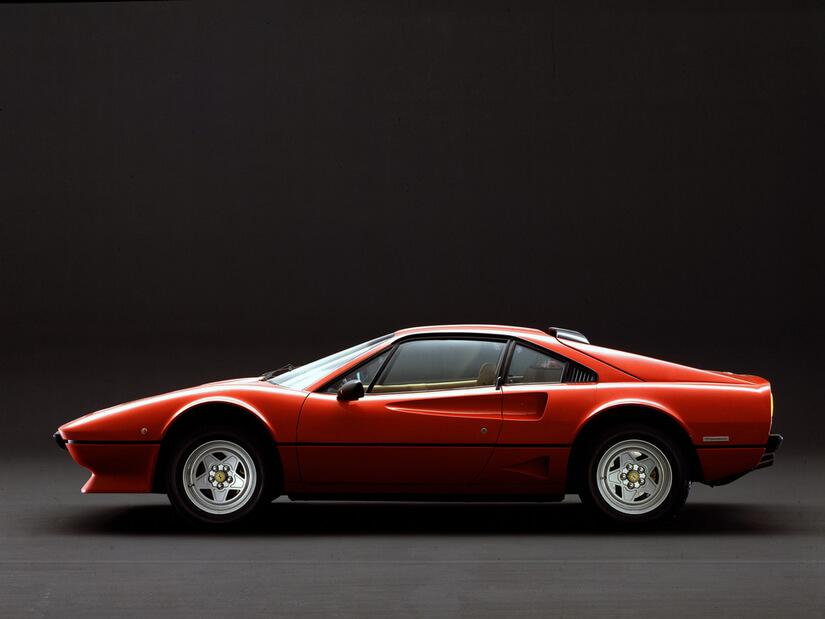 Ferrari 208 GTB Turbo lateral