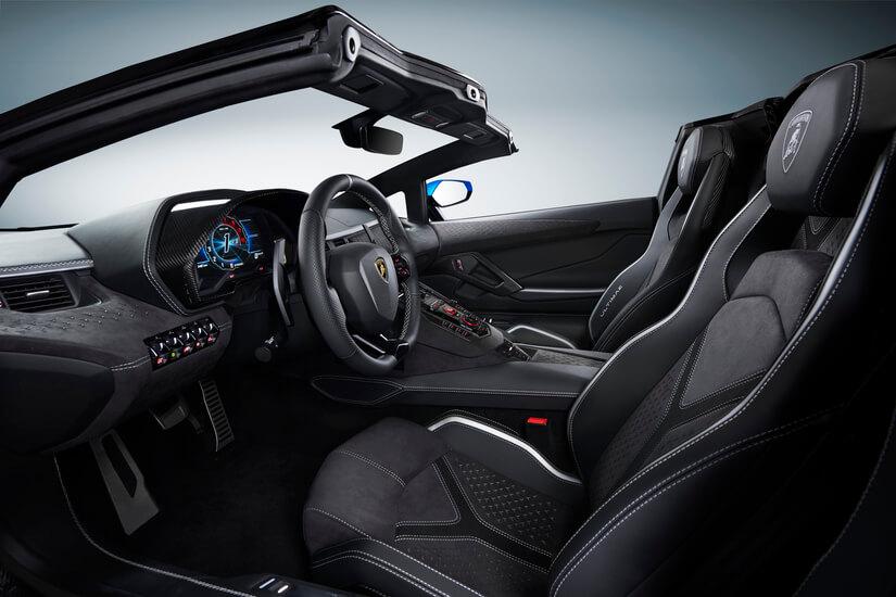 Lamborghini Aventador LP 780-4 Ultimae interior cabrio