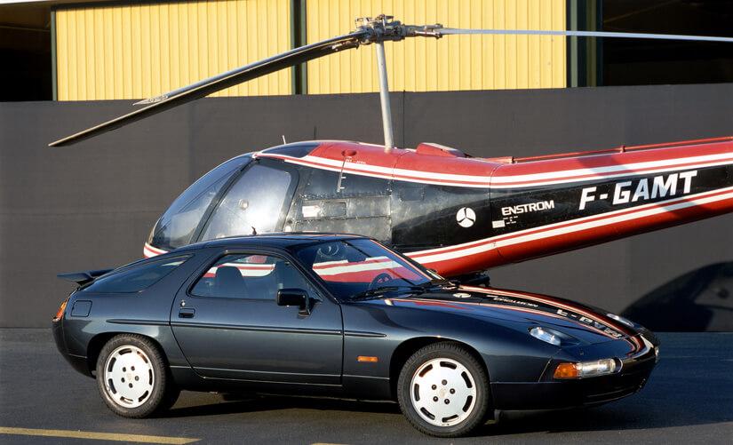 Porsche 928 en aeropuerto