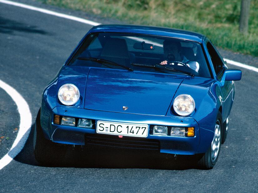 Porsche 928 en curva