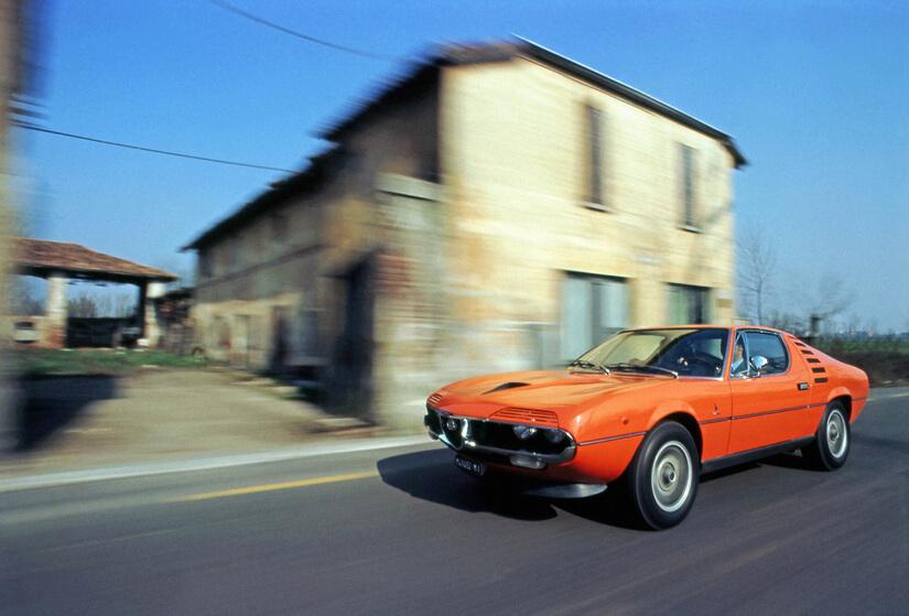 Alfa Romeo Montreal rodando
