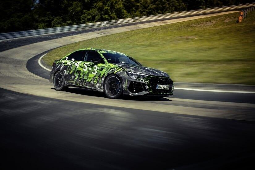 Audi RS 3 en curva