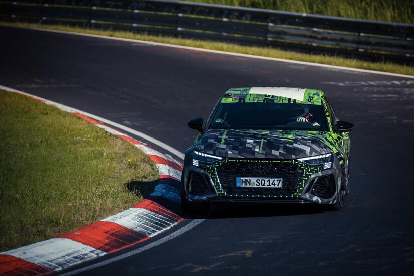 Audi RS 3 girando