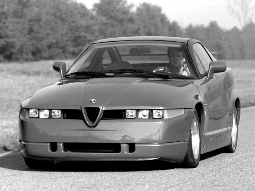Alfa Romeo SZ de frente