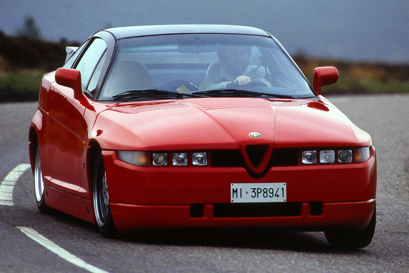 Alfa Romeo SZ rodando