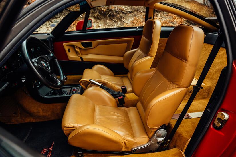 Alfa Romeo SZ interior