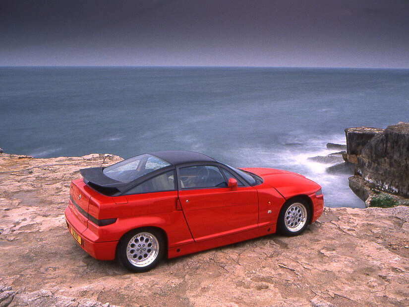 Alfa Romeo SZ capotado