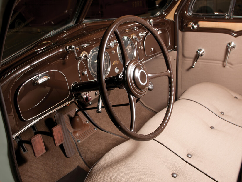 Chrysler Airflow interior
