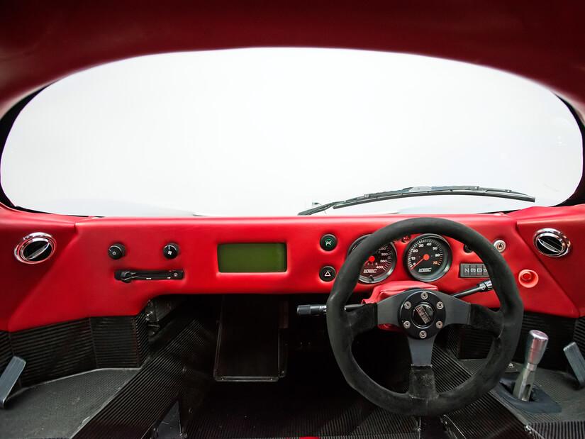 Lotec C1000 interior