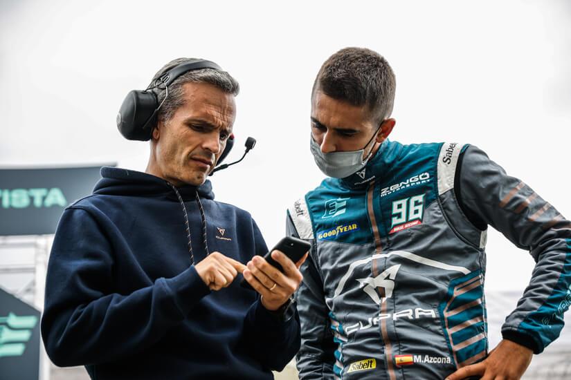 CUPRA e-Racer piloto