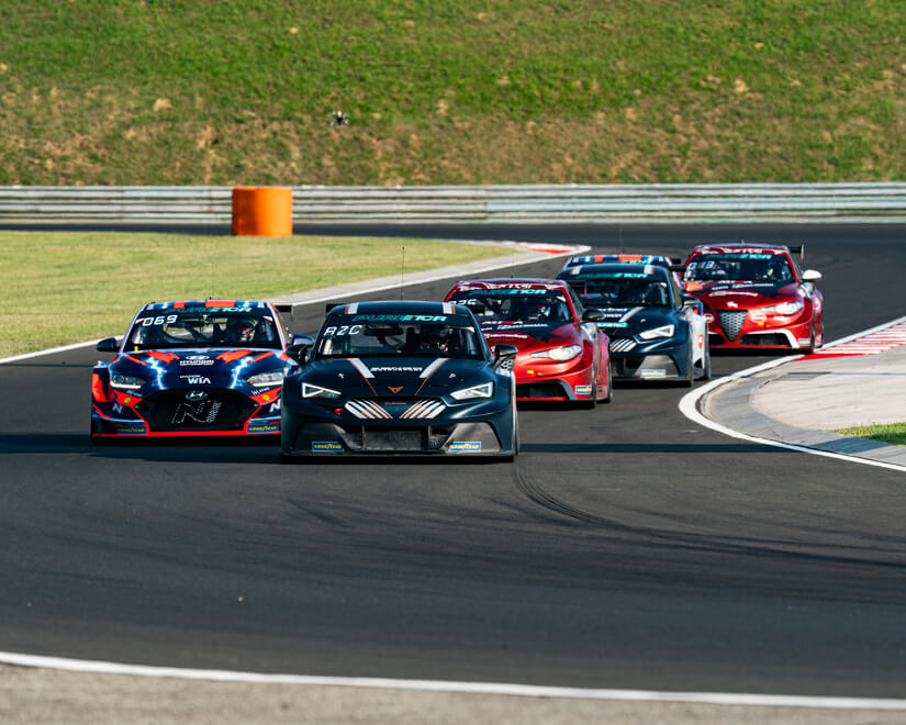 CUPRA e-Racer en curva