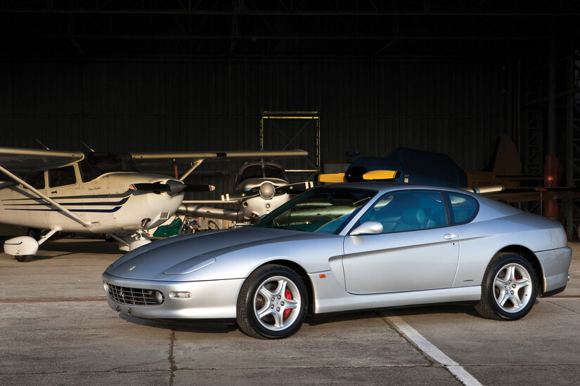 Ferrari 456 GT posado
