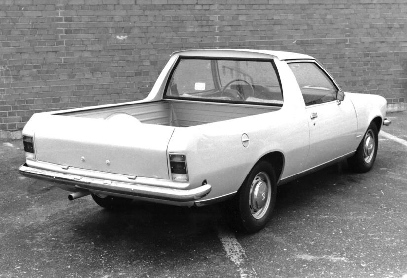 Opel Rekord D con caja